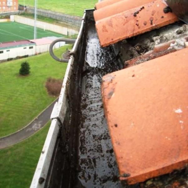 Construcciones y reformas - Instalacion de canalones ...